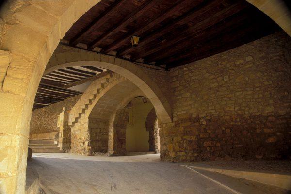 Portal-de-San-Roque_Rales